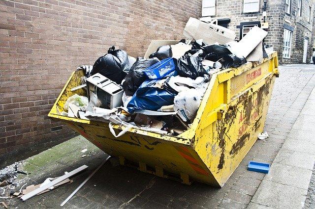 konteiner-s-otpadatsi
